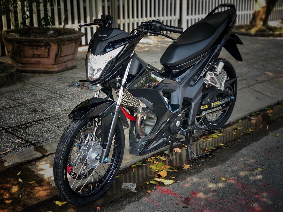 Honda Sonic 150 độ đẹp hú hồn với tông màu đen đơn giản Ảnh 2
