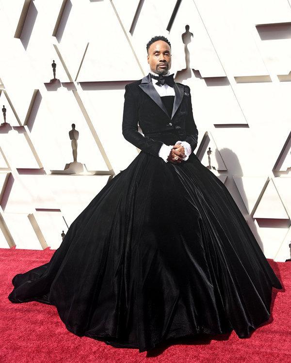 Billy Porter ngày càng lố khiến khán giả ngán ngẩm vì mặc váy khoe thân phản cảm Ảnh 7