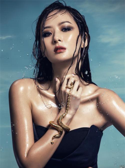Gu thời trang sang chảnh 'gây sốt' của tiểu thư giàu có nhất nhì Đài Loan Ảnh 7