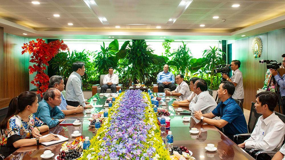 Chủ tịch UBND tỉnh An Giang Nguyễn Thanh Bình chúc Tết các doanh nghiệp tiêu biểu Ảnh 1