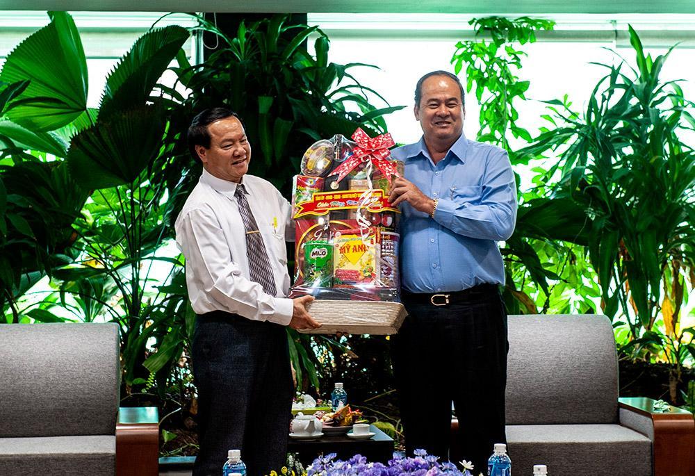 Chủ tịch UBND tỉnh An Giang Nguyễn Thanh Bình chúc Tết các doanh nghiệp tiêu biểu Ảnh 2