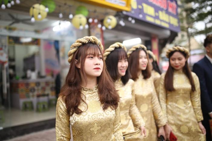 Đám hỏi Duy Mạnh - Quỳnh Anh: Xuýt xoa trước nhan sắc dàn phù dâu toàn gái xinh Ảnh 4