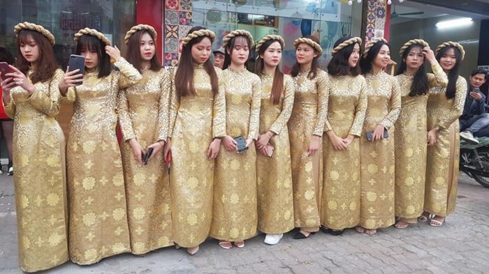 Đám hỏi Duy Mạnh - Quỳnh Anh: Xuýt xoa trước nhan sắc dàn phù dâu toàn gái xinh Ảnh 3