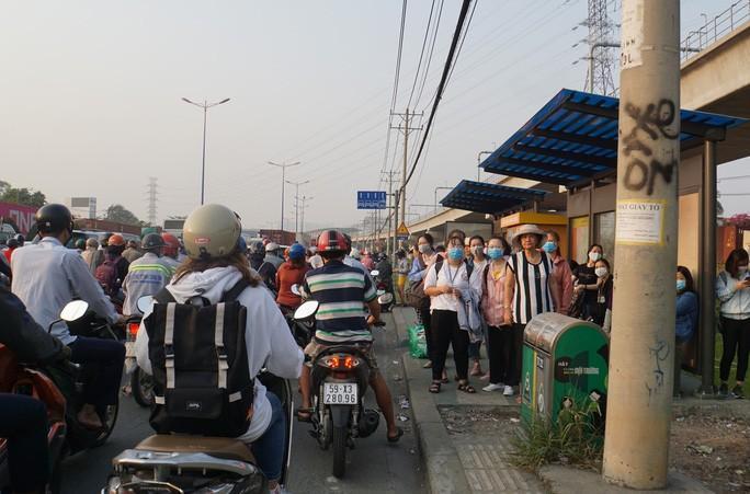 Kinh hoàng cảnh kẹt xe trên mọi ngả đường khu Đông TP HCM Ảnh 10
