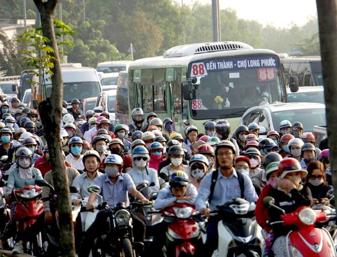 Kinh hoàng cảnh kẹt xe trên mọi ngả đường khu Đông TP HCM Ảnh 2