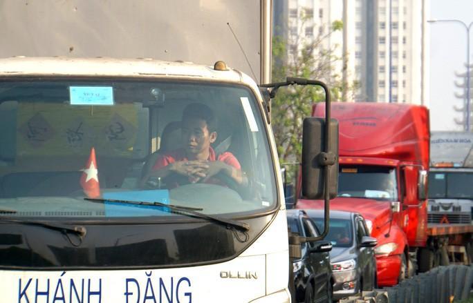 Kinh hoàng cảnh kẹt xe trên mọi ngả đường khu Đông TP HCM Ảnh 6
