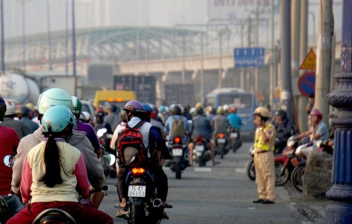 Kinh hoàng cảnh kẹt xe trên mọi ngả đường khu Đông TP HCM Ảnh 12