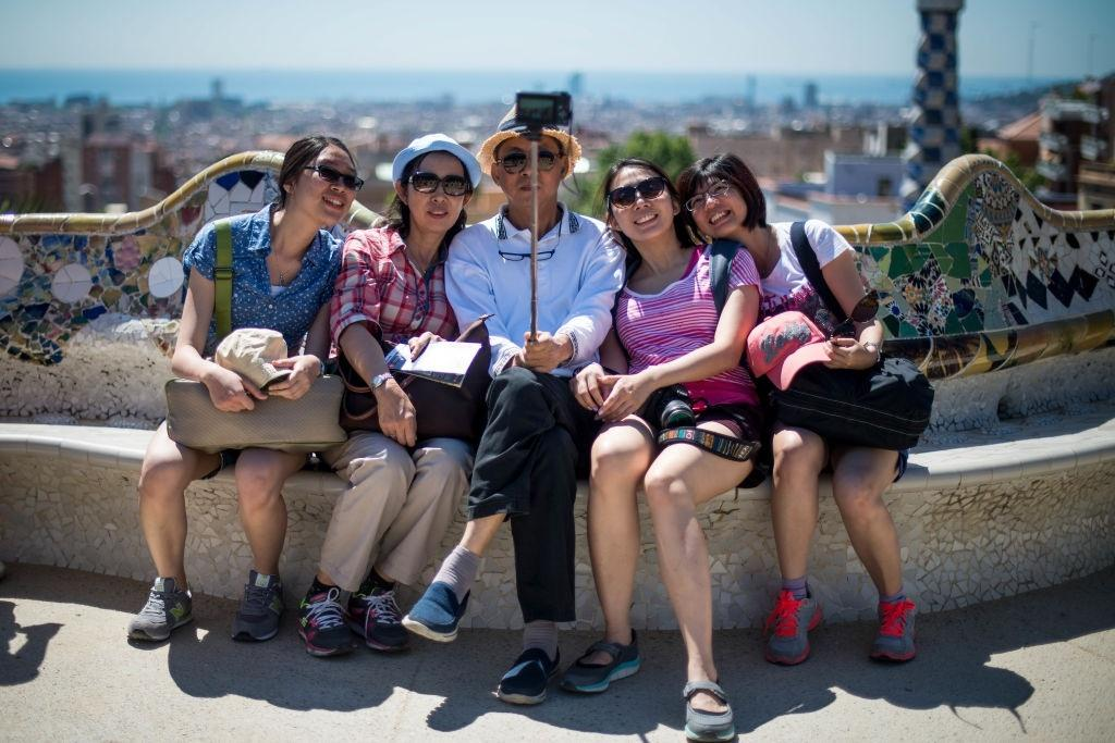 Lý do dân Barcelona coi khách du lịch như khủng bố Ảnh 10