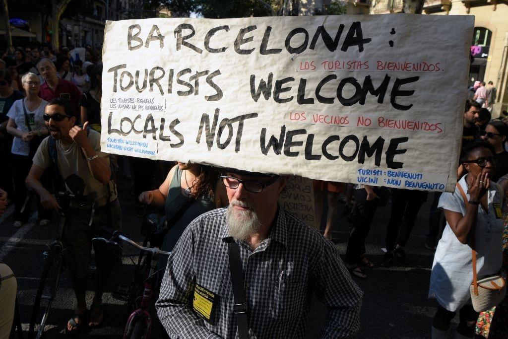 Lý do dân Barcelona coi khách du lịch như khủng bố Ảnh 3