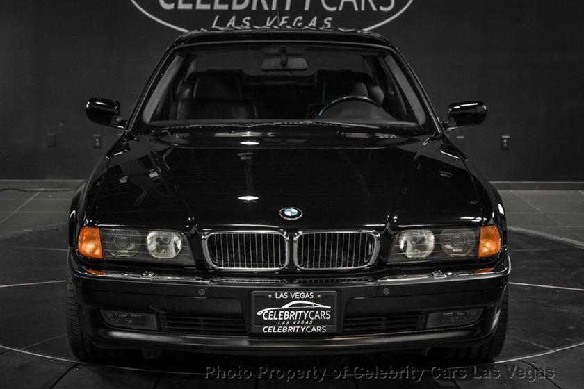 BMW 7-Series của huyền thoại nhạc Rap rao giá hơn 40 tỷ Ảnh 5