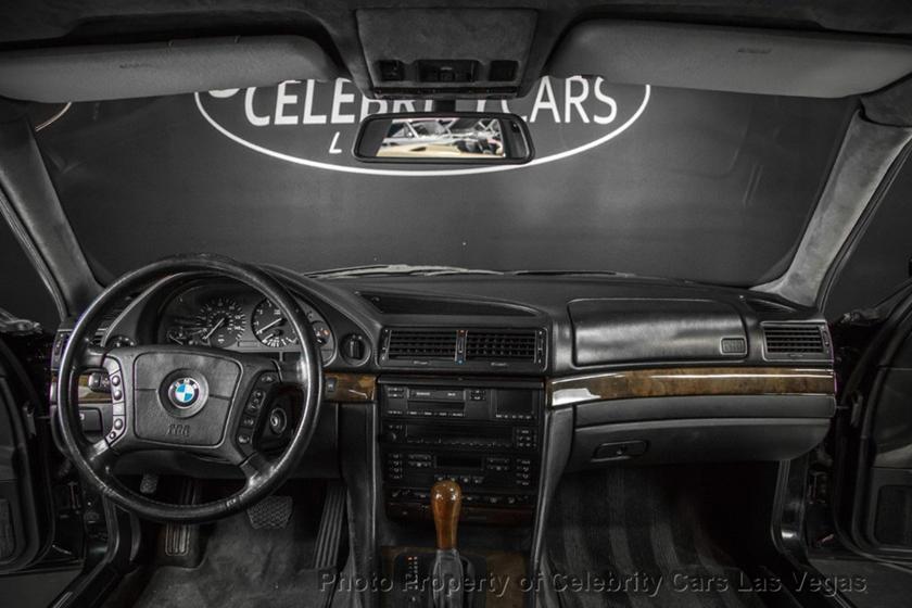 BMW 7-Series của huyền thoại nhạc Rap rao giá hơn 40 tỷ Ảnh 10