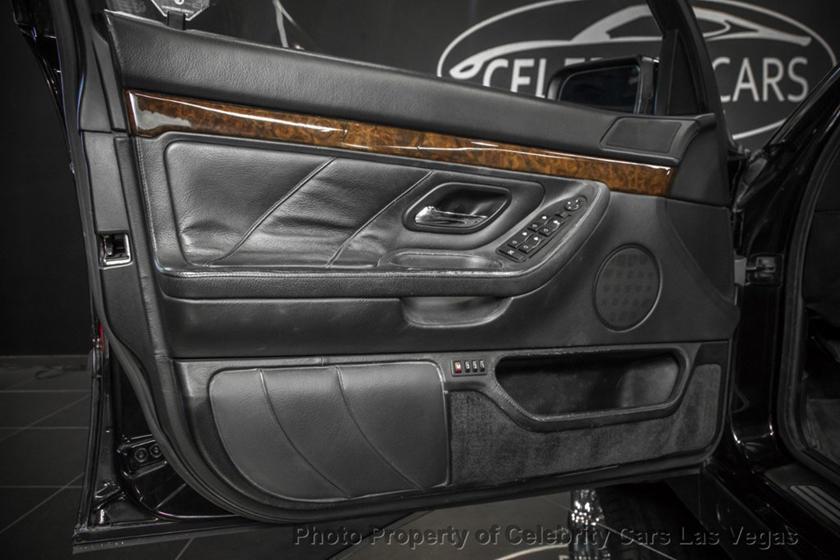BMW 7-Series của huyền thoại nhạc Rap rao giá hơn 40 tỷ Ảnh 11