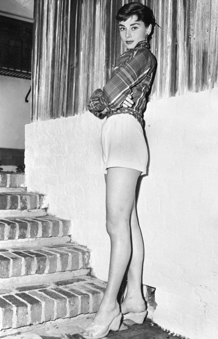6 khoảnh khắc thời trang vượt thời gian của huyền thoại Audrey Hepburn Ảnh 14