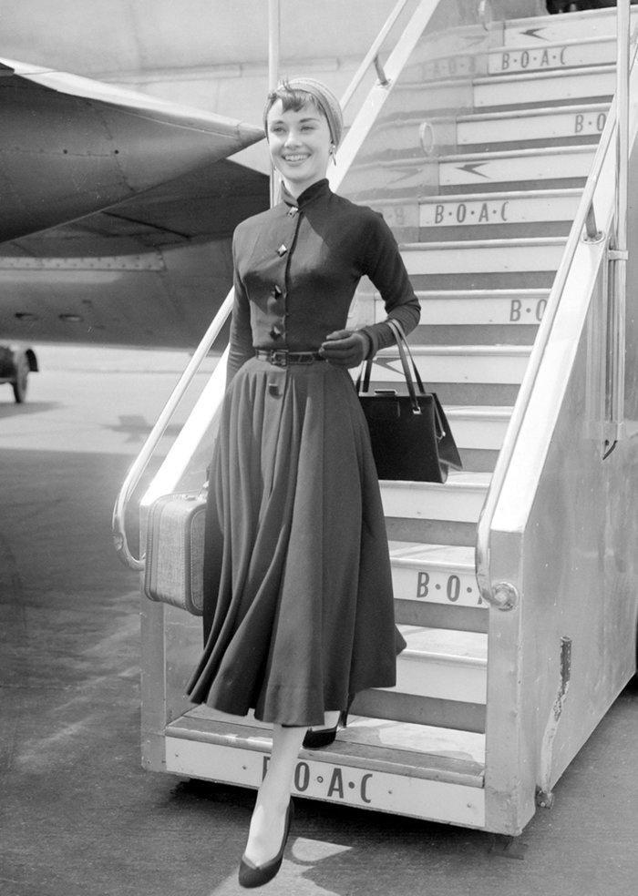 6 khoảnh khắc thời trang vượt thời gian của huyền thoại Audrey Hepburn Ảnh 18