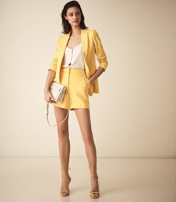 6 khoảnh khắc thời trang vượt thời gian của huyền thoại Audrey Hepburn Ảnh 16