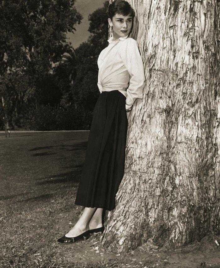 6 khoảnh khắc thời trang vượt thời gian của huyền thoại Audrey Hepburn Ảnh 21