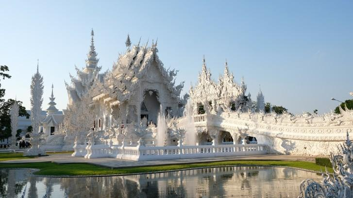 Ngôi chùa trắng độc đáo ở Thái Lan Ảnh 1