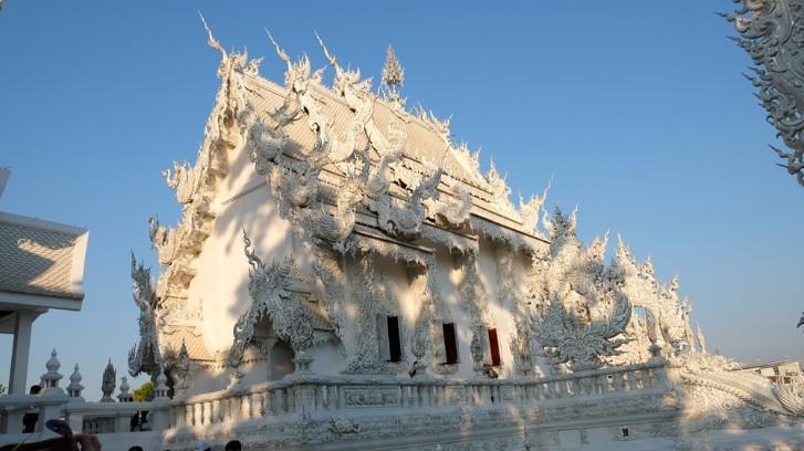Ngôi chùa trắng độc đáo ở Thái Lan Ảnh 7