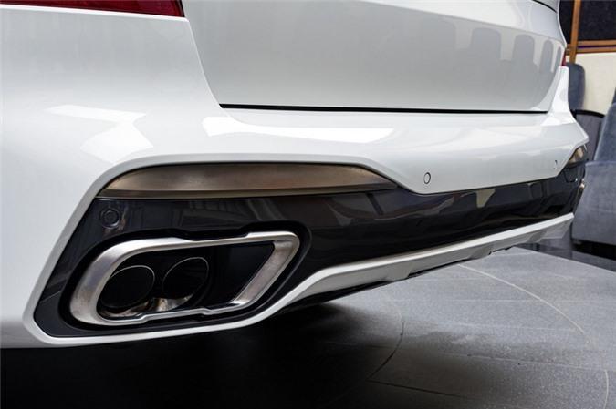 Ảnh chi tiết BMW X7 bản màu sơn trắng Alpine cùng nội thất Tartufo Ảnh 11