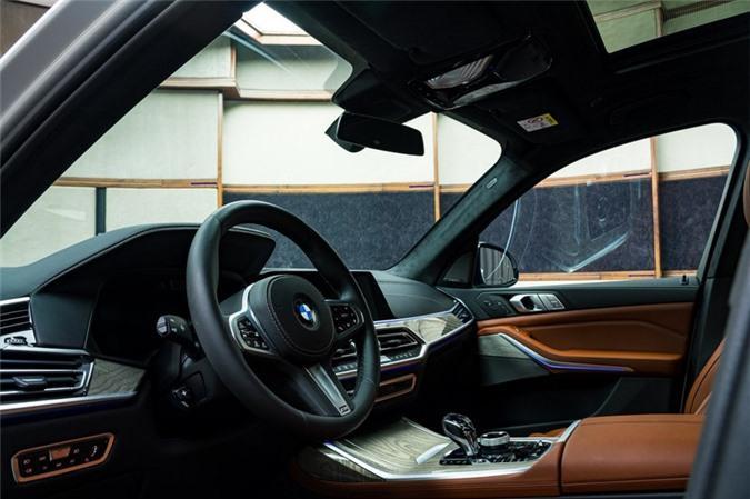 Ảnh chi tiết BMW X7 bản màu sơn trắng Alpine cùng nội thất Tartufo Ảnh 12