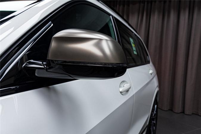 Ảnh chi tiết BMW X7 bản màu sơn trắng Alpine cùng nội thất Tartufo Ảnh 9