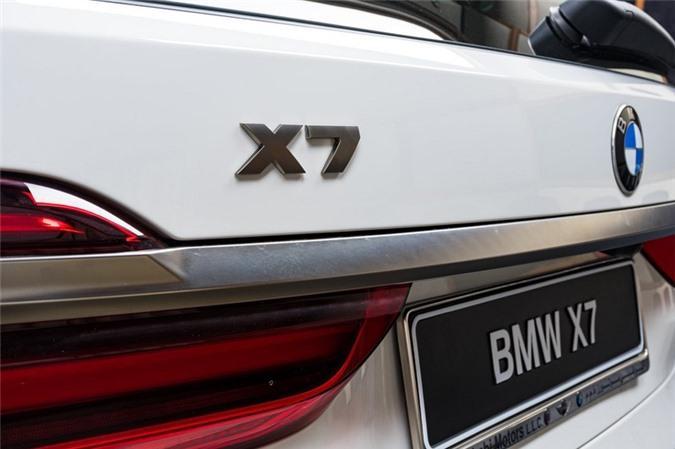 Ảnh chi tiết BMW X7 bản màu sơn trắng Alpine cùng nội thất Tartufo Ảnh 10