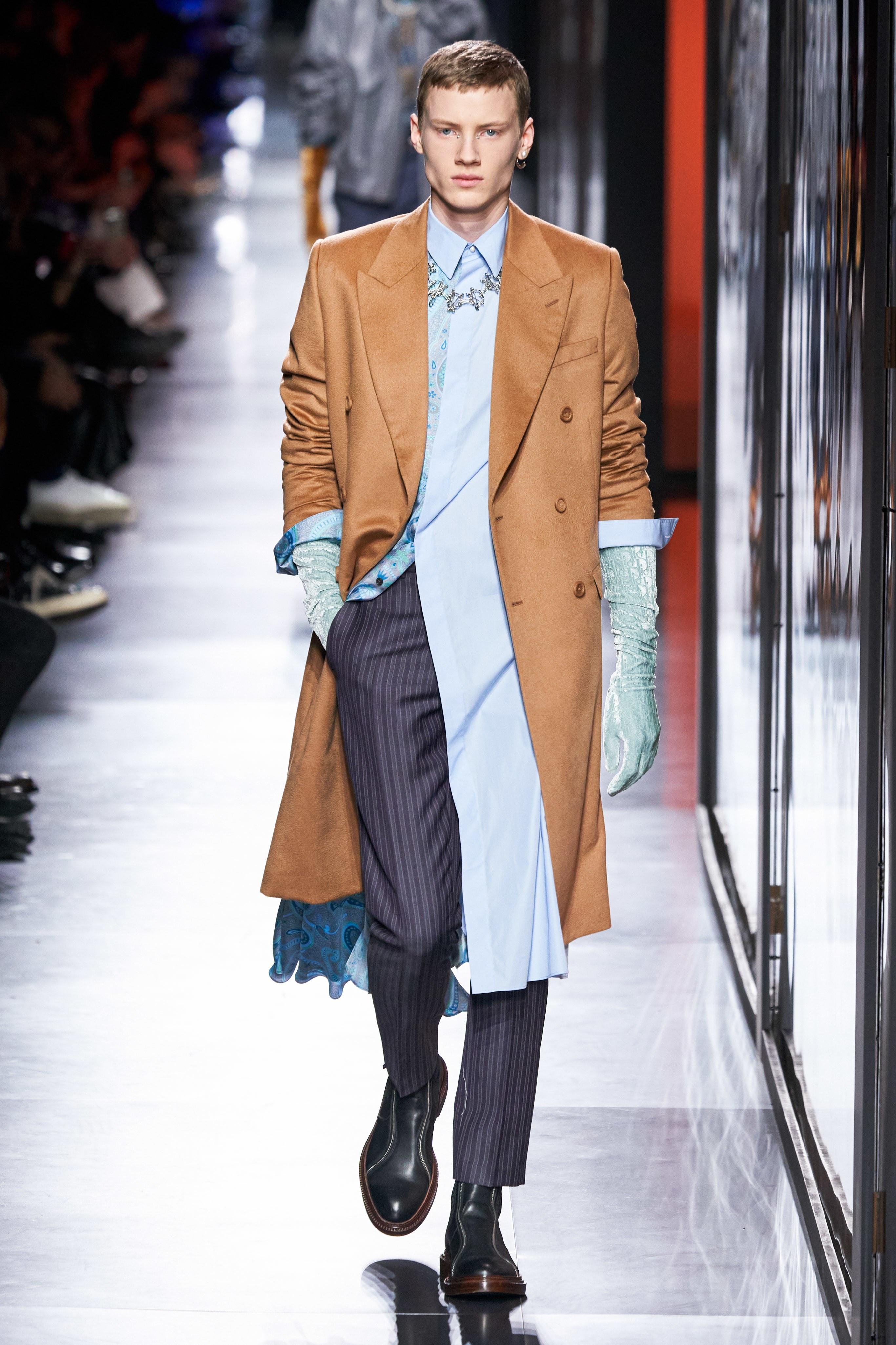 Áo khoác hoa, găng tay dài - Dior nâng thời trang nam lên tầm cao mới Ảnh 6