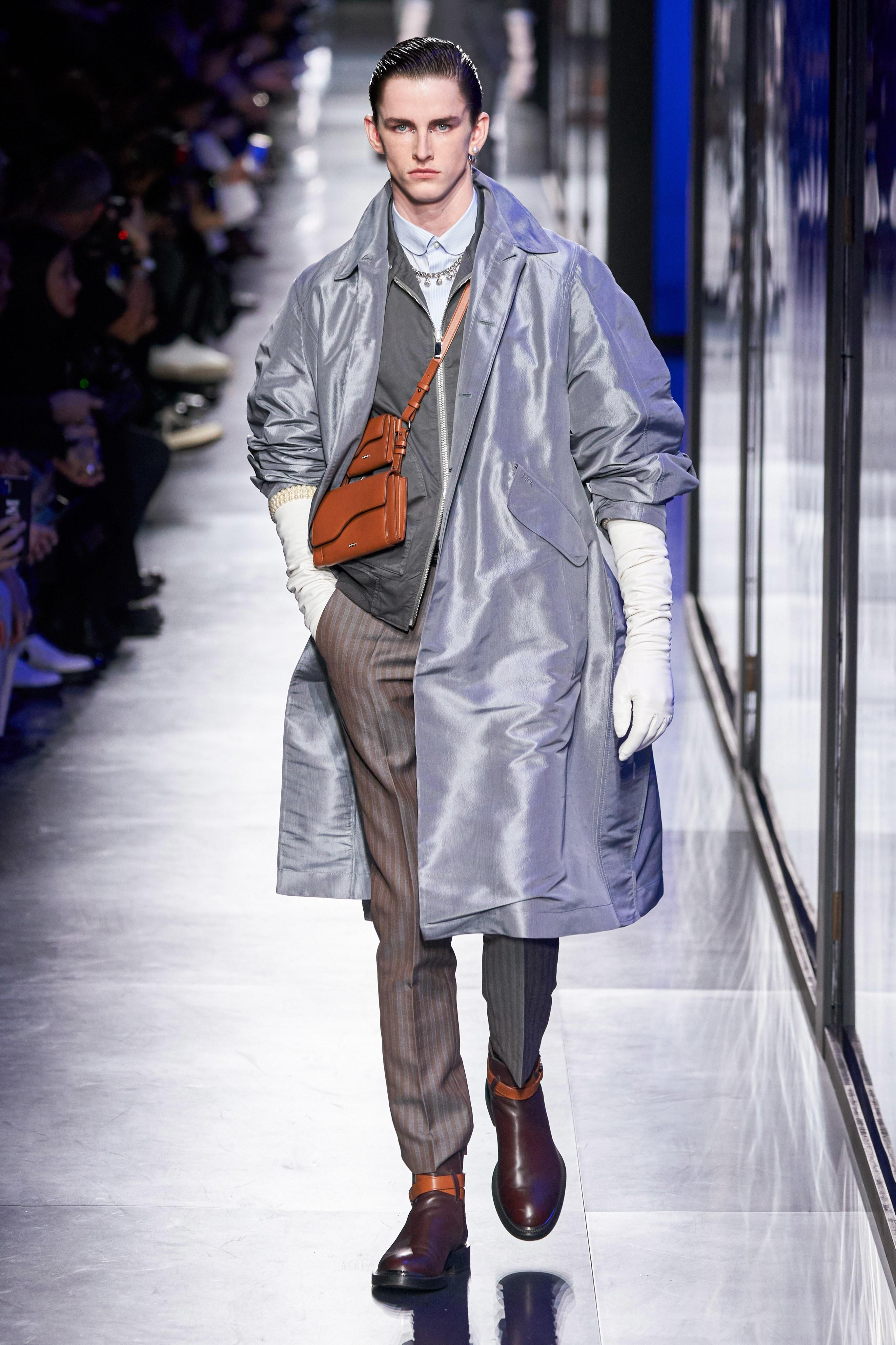 Áo khoác hoa, găng tay dài - Dior nâng thời trang nam lên tầm cao mới Ảnh 7