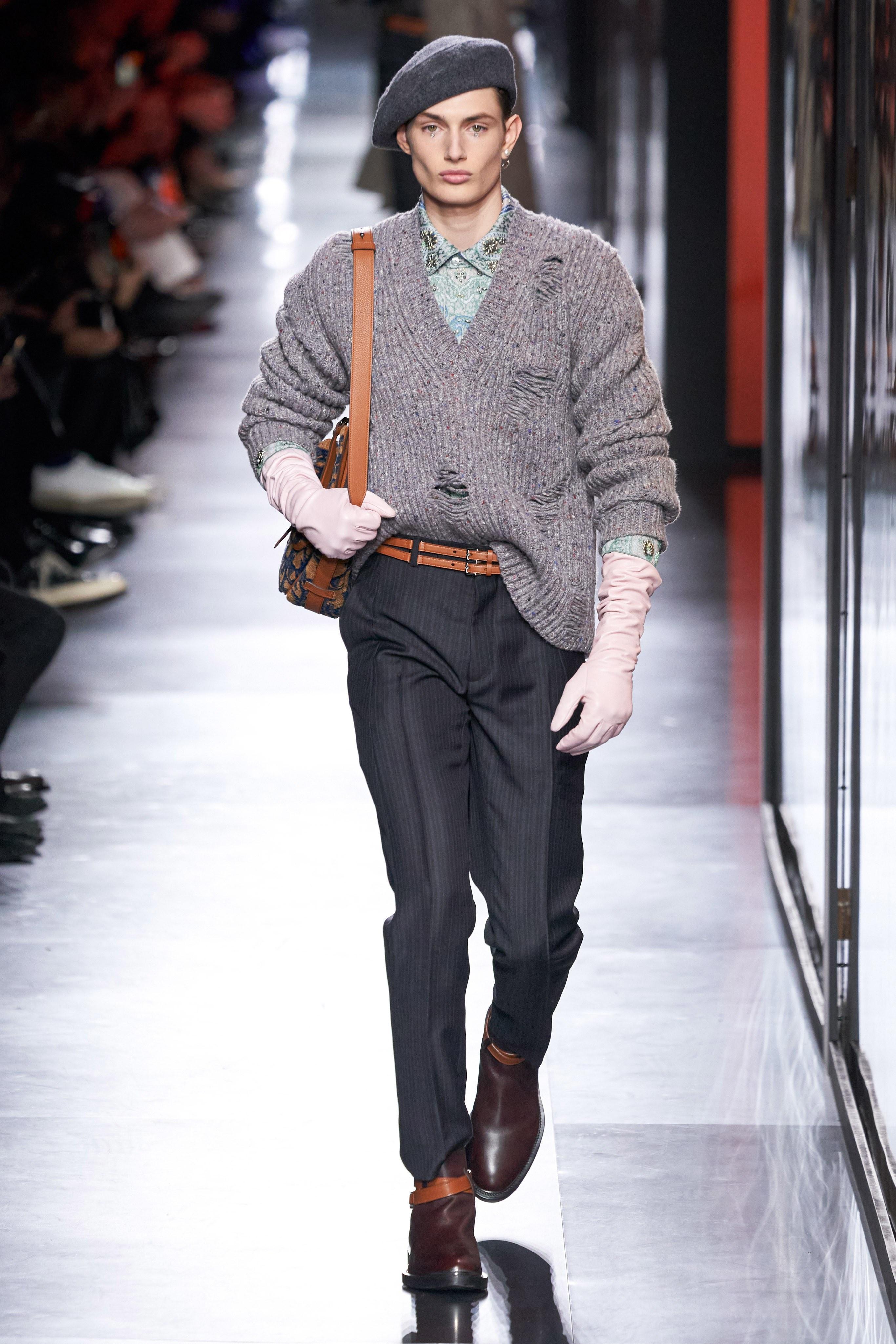 Áo khoác hoa, găng tay dài - Dior nâng thời trang nam lên tầm cao mới Ảnh 4