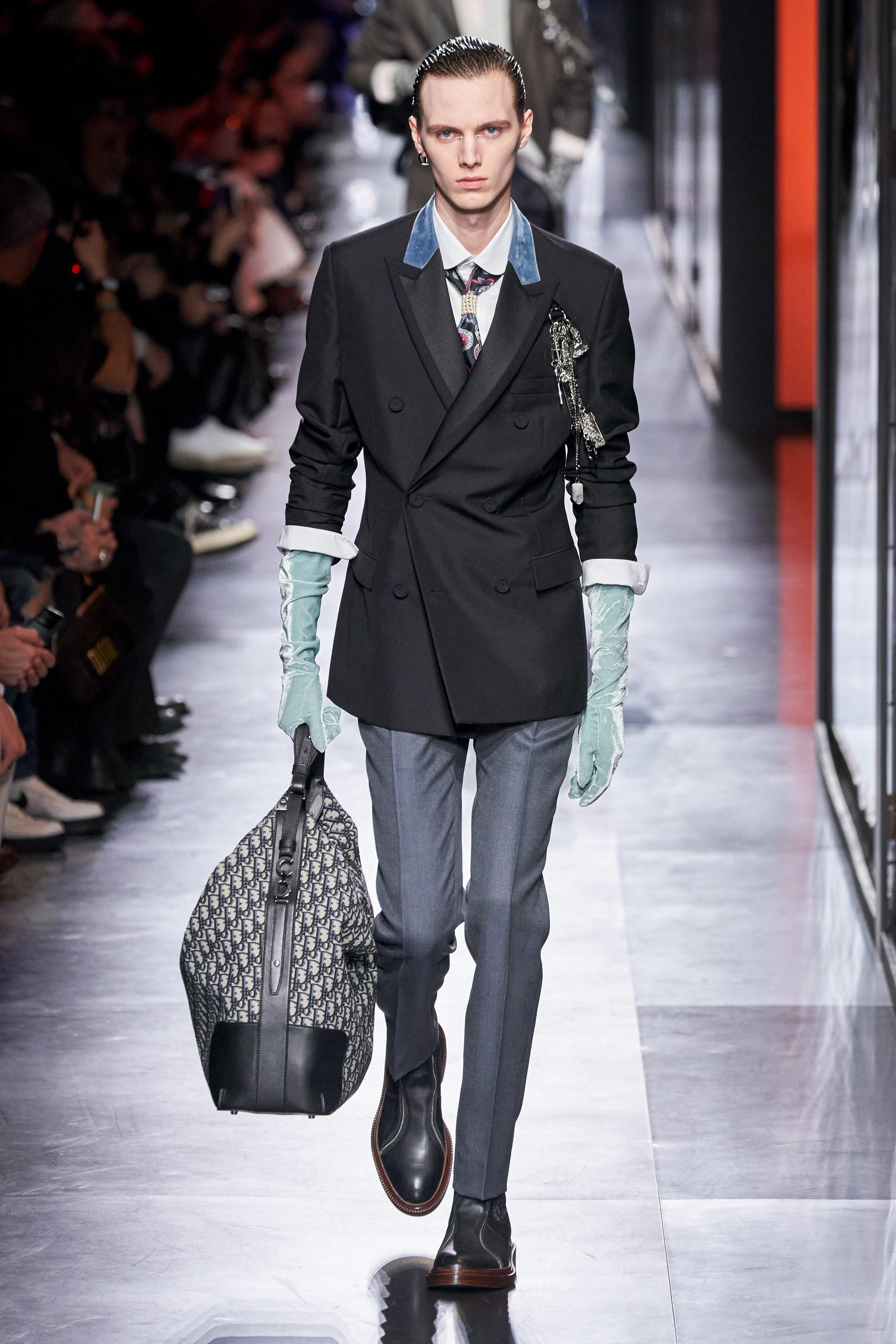 Áo khoác hoa, găng tay dài - Dior nâng thời trang nam lên tầm cao mới Ảnh 21