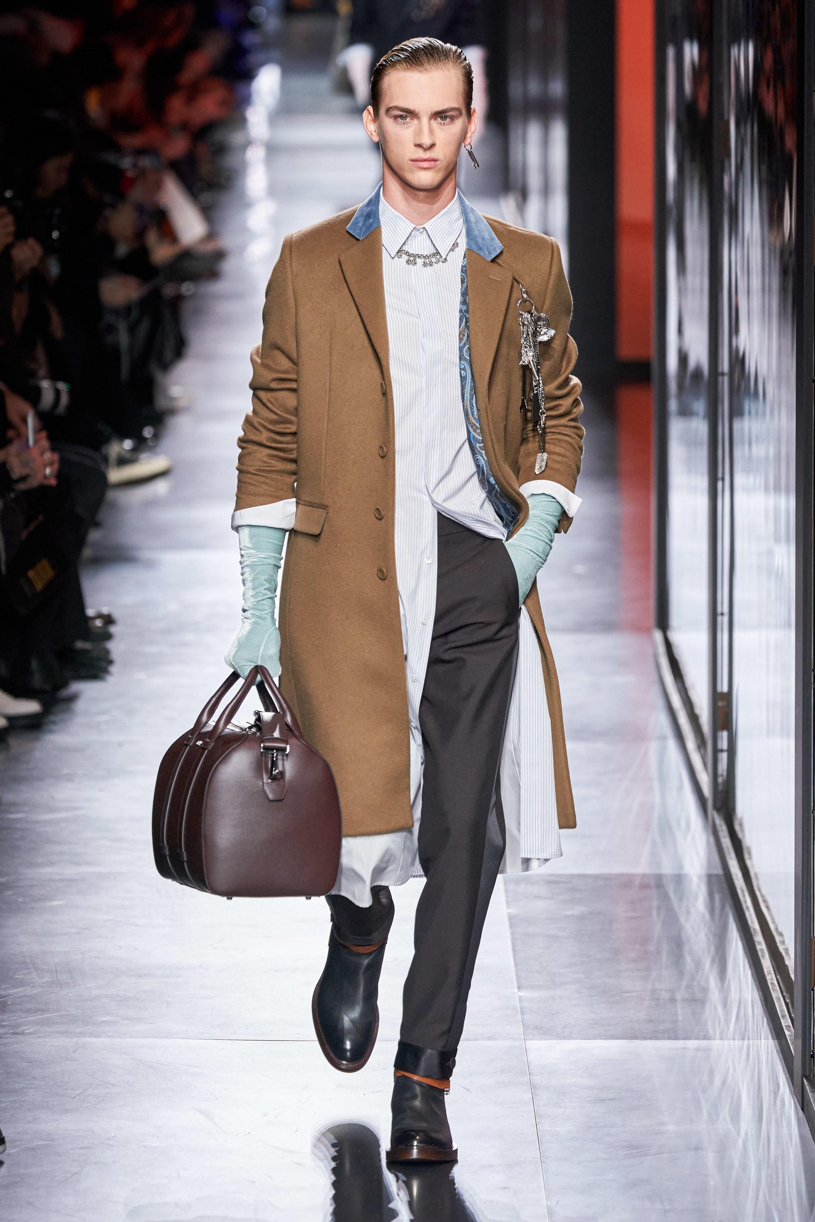 Áo khoác hoa, găng tay dài - Dior nâng thời trang nam lên tầm cao mới Ảnh 12