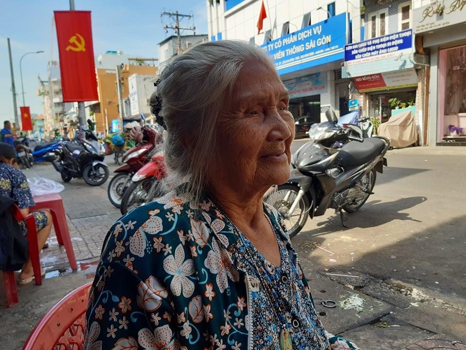 Nghệ sĩ Hồng Sáp rơi nước mắt kể chuyện bị lừa hết số tiền mạnh thường quân gửi để ăn Tết Ảnh 3