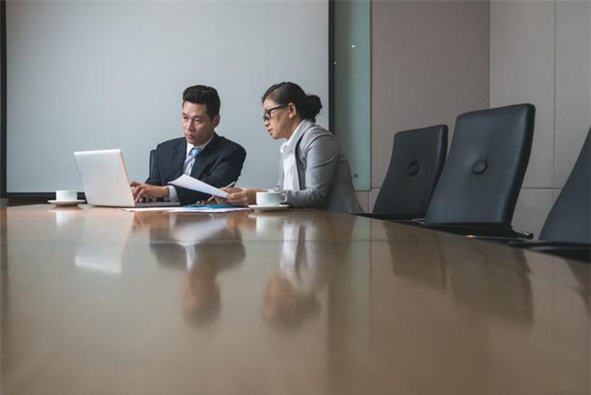 Làm trợ lý Giám đốc với mức lương 3 triệu, nàng công sở lãnh cái kết bất ngờ ngay tháng đầu tiên Ảnh 5