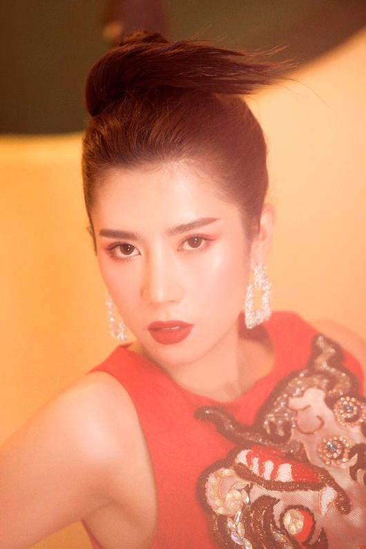 Người đẹp Dương Yến Nhung khoe vẻ đẹp e ấp đón xuân Ảnh 5