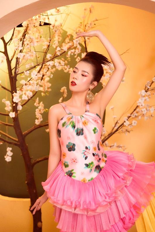 Người đẹp Dương Yến Nhung khoe vẻ đẹp e ấp đón xuân Ảnh 2