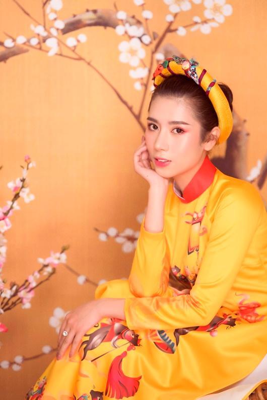 Người đẹp Dương Yến Nhung khoe vẻ đẹp e ấp đón xuân Ảnh 1