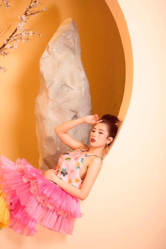 Người đẹp Dương Yến Nhung khoe vẻ đẹp e ấp đón xuân Ảnh 4