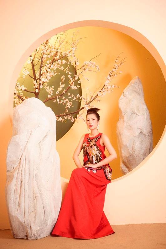 Người đẹp Dương Yến Nhung khoe vẻ đẹp e ấp đón xuân Ảnh 6