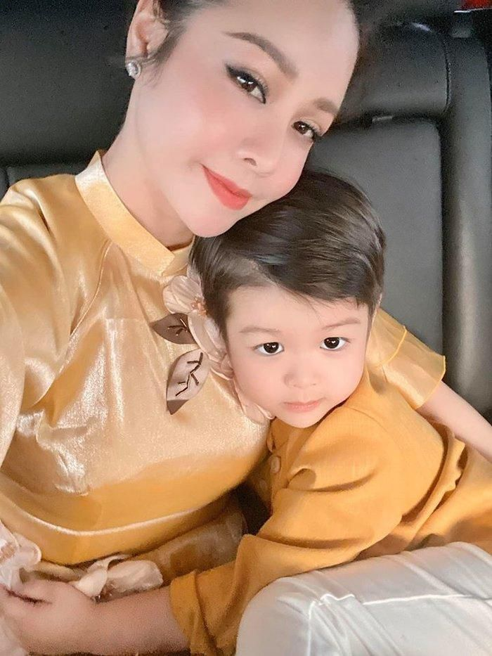 Nhật Kim Anh lạy lục chồng cũ Bửu Lộc cho gặp con trai Ảnh 4