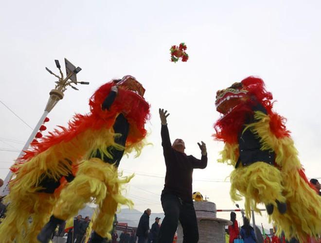 Trung Quốc: Không khí Tết đìu hiu, đối nghịch hẳn năm Kỷ Hợi 2019 Ảnh 5