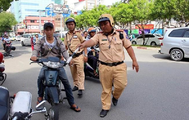 Các mức phạt mới khi ô tô, xe máy chạy quá tốc độ Ảnh 1