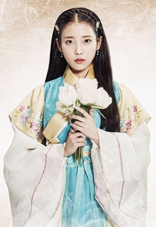 6 nữ idol Kpop diện trang phục truyền thống đẹp dịp Tết Ảnh 2