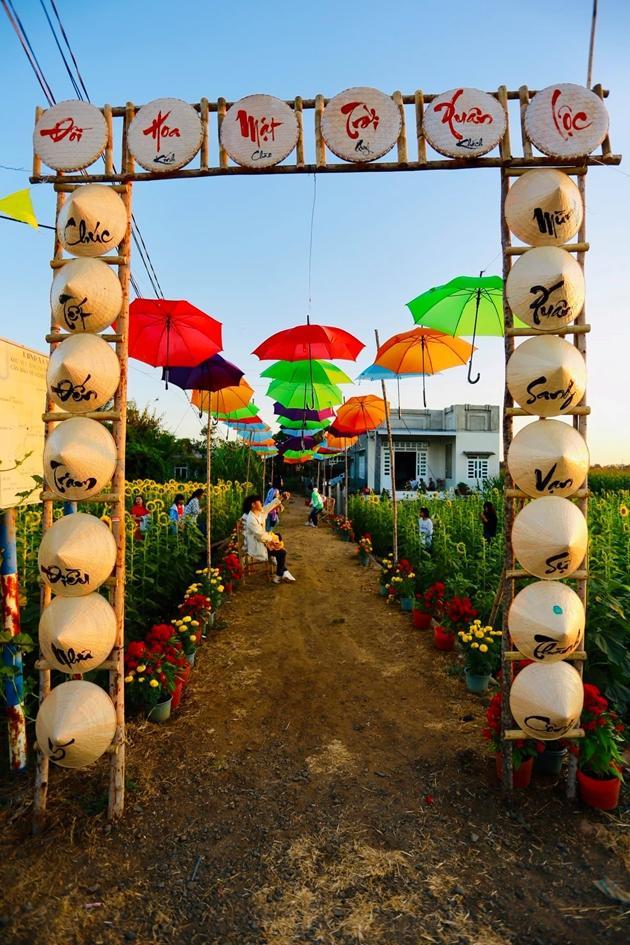 Check-in vườn hoa hướng dương rực rỡ ở Đồng Nai ngày đầu năm mới 2020 Ảnh 11