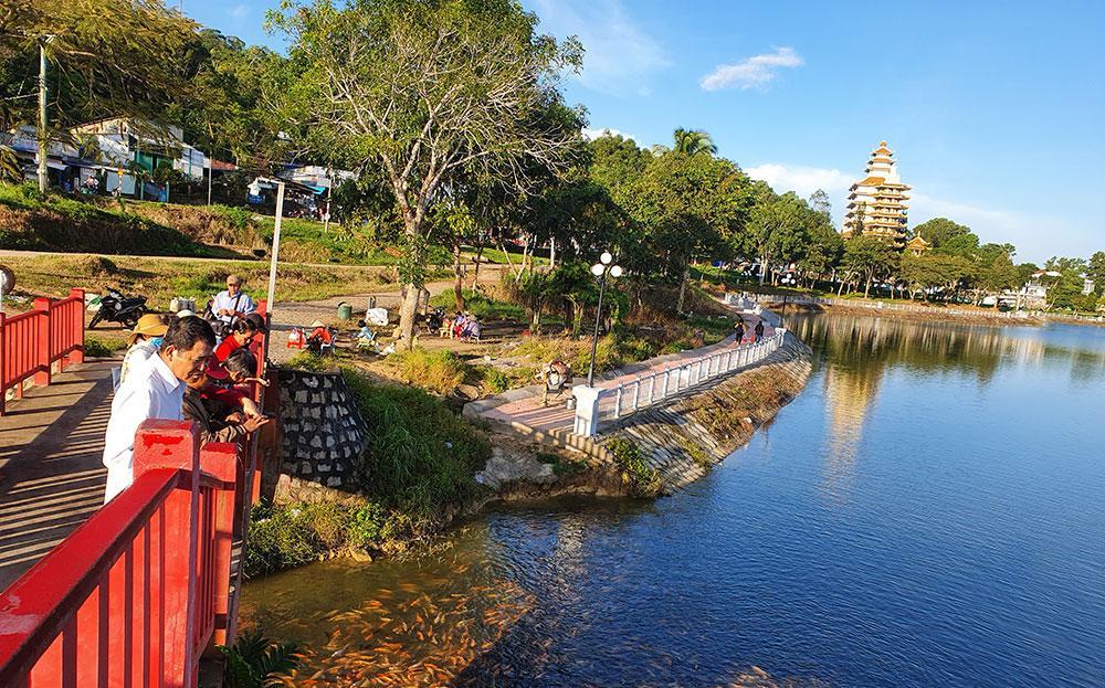 An Giang đón trên 824.000 lượt khách du lịch dịp Tết Nguyên đán 2020 Ảnh 1