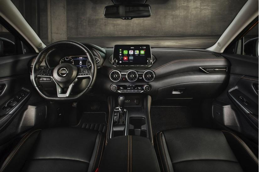 Nissan Sentra 2020 giá từ 442 triệu đồng, quyết 'đấu' với Honda Civic Ảnh 2
