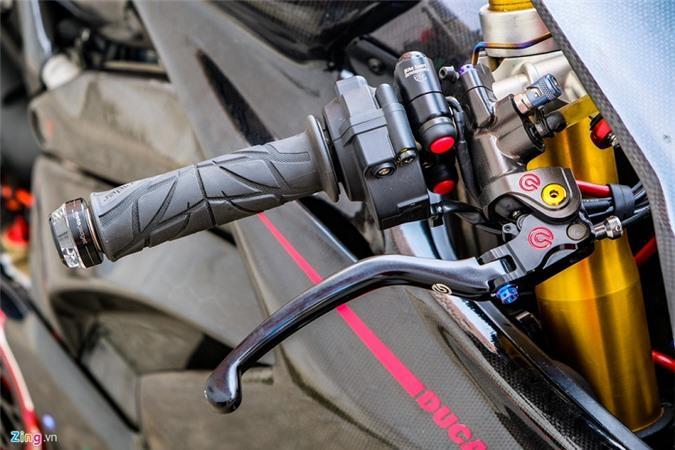 Ducati Panigale V4 với gói độ xe đua tiền tỷ ở Sài Gòn Ảnh 7