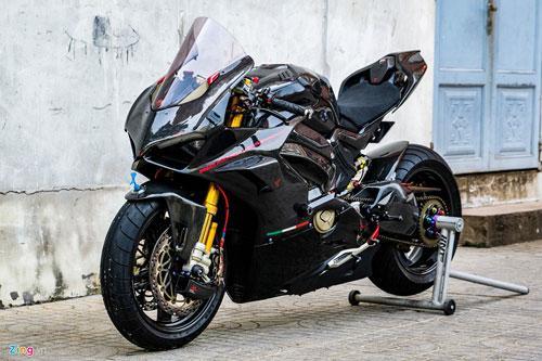 Ducati Panigale V4 với gói độ xe đua tiền tỷ ở Sài Gòn Ảnh 1