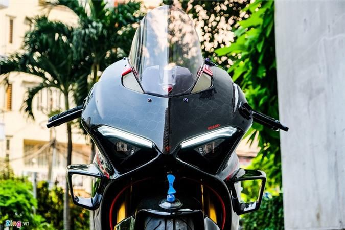 Ducati Panigale V4 với gói độ xe đua tiền tỷ ở Sài Gòn Ảnh 9
