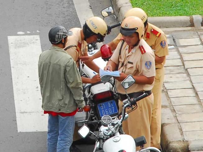 Cách nộp phạt vi phạm giao thông qua đường bưu điện Ảnh 1