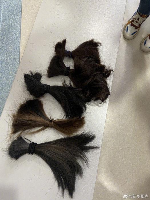 31 y tá tình nguyện cắt tóc để tiện chăm sóc bệnh nhân tại Vũ Hán Ảnh 4